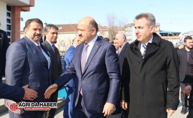 Başbakan Yardımcısı Fikri Işık Ağrı'da
