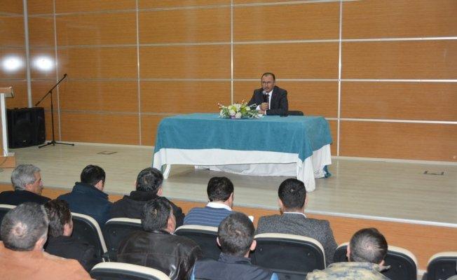 Başkan Köksoy, sürekli işçi kadrosuna geçecek taşeron işçilerle toplantı yaptı