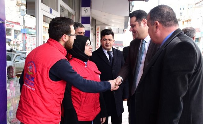 Başkan Vekili Öztürk, İpekyolu gençlik merkezini ziyaret etti