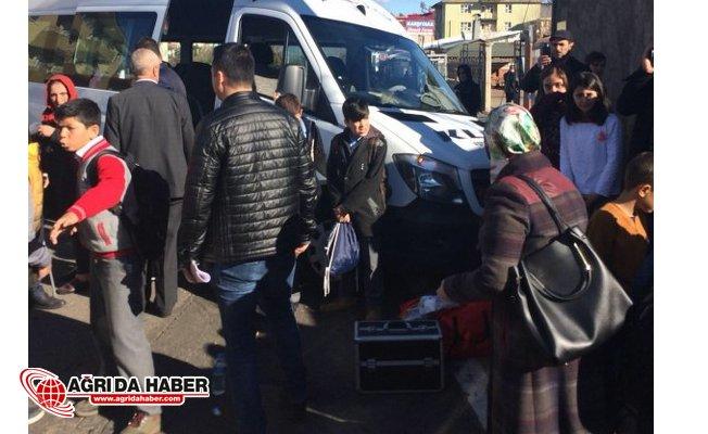 Bingöl'de Öğrencileri taşıyan servis kaza yaptı: 12 yaralı