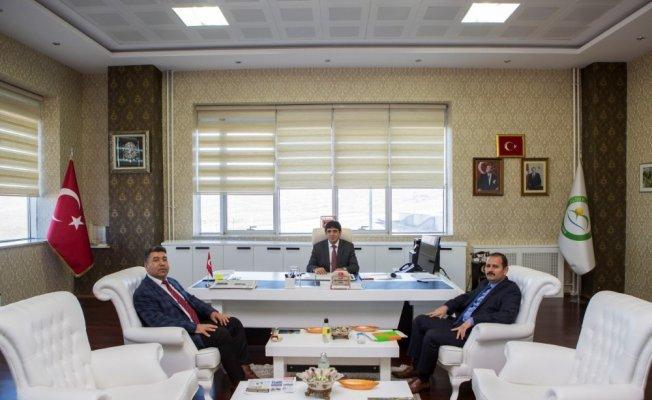 Iğdır Ceza infaz kurum müdüründen Rektör Mehmet Hakkı Almay'a ziyaret