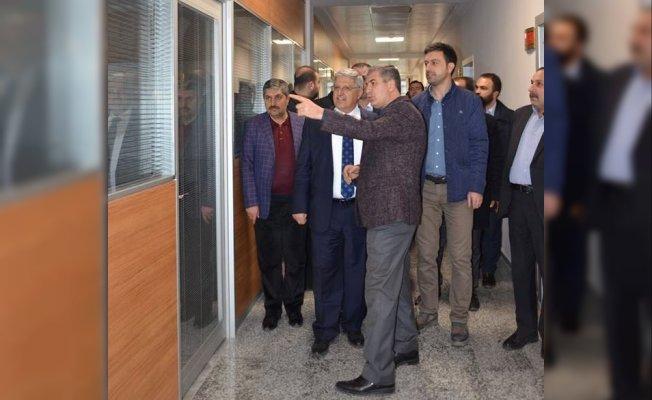 Demiröz'den Tatvan Belediyesine ziyaret