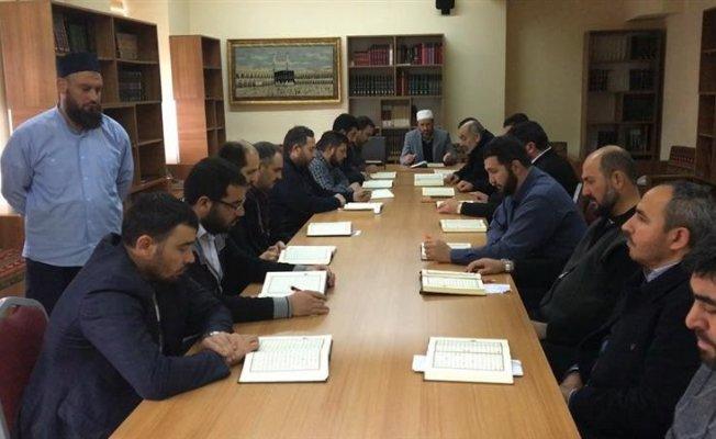 Din görevlisi personele yönelik tashîh-i hurûf dersleri veriliyor