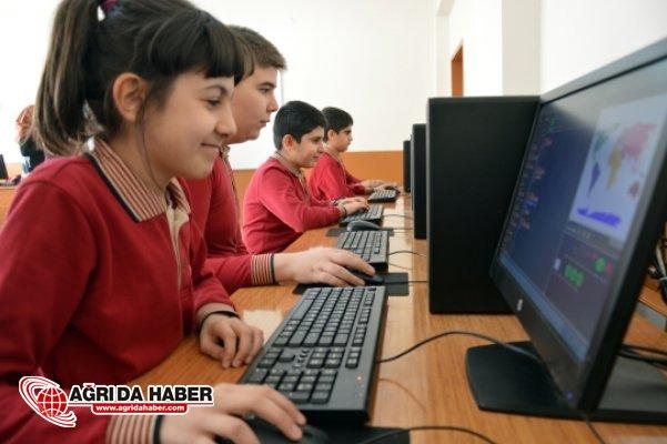 """Doğubayazıt Belediyesinden Eğitime """"Teknolojik"""" Destek"""