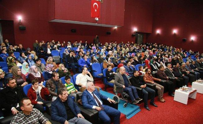 Elazığ'da 'Şehitler Gecesi' programına yoğun ilgi