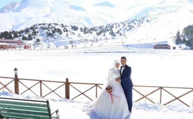 Kış Düğünlerinin Vazgeçilmezi 'Ergan Dağı'