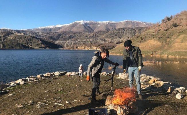 Hizan'da vatandaşlar piknik alanlarına akın etti