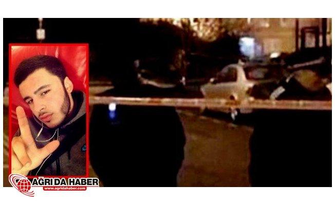 İngiltere'de Bir Genç Bıçaklanarak Öldü