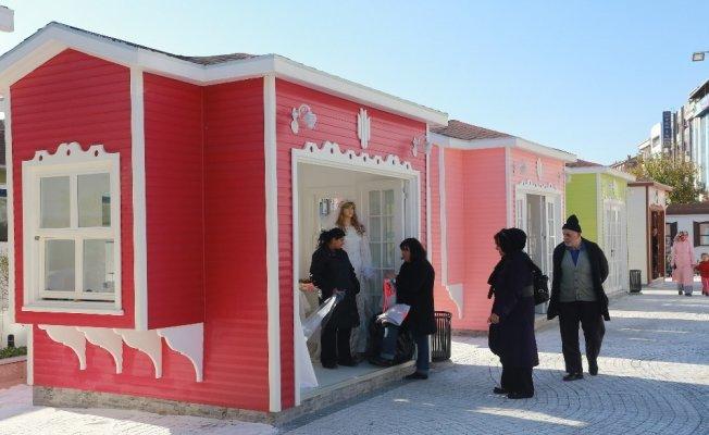 Kadınların umut kapısı: Hanımeli Çarşısı
