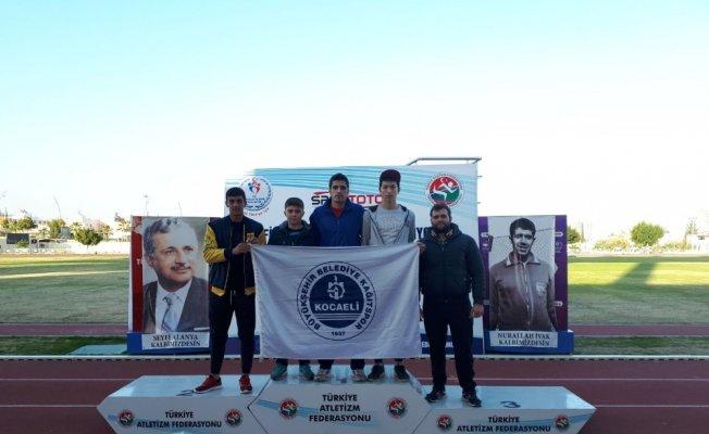 Kağıtsporlu atletler, Mersin'den iki madalya ile döndü