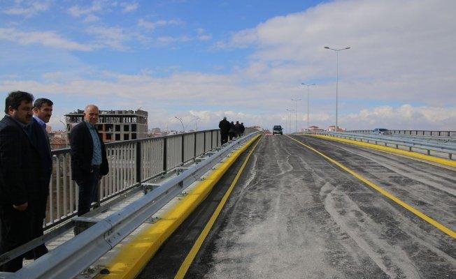 Karaman'da Sanayi Köprülü Kavşağı trafiğe açıldı