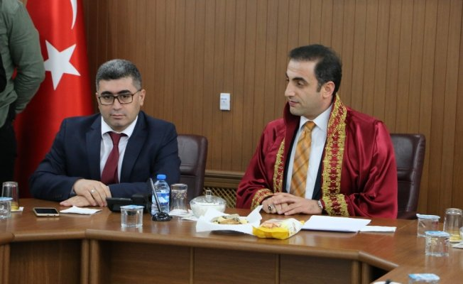 Kaymakam Alibeyoğlu nikah kıydı, Kaymakam Çetin şahitlik yaptı