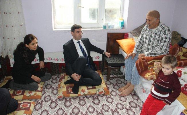 Kaymakam Kırlı'nın ev ziyaretleri devam ediyor