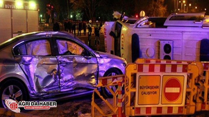 Kayseri'de Otomobil ile çarpışan Ambulans devrildi: 5 kişi yaralandı