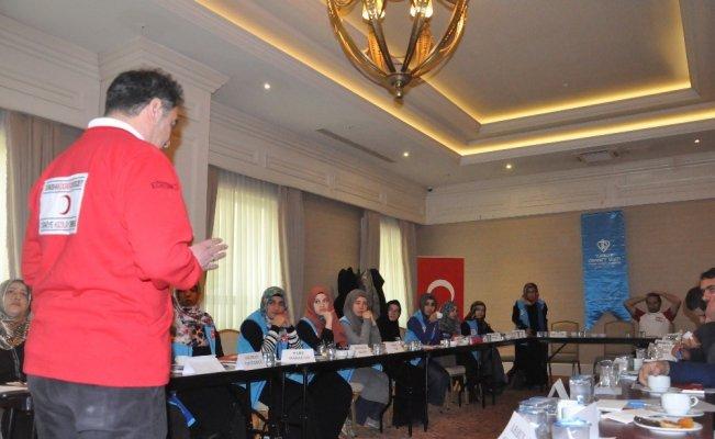 Kızılaydan diyanet personeline ilk yardım semineri