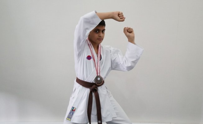 Kolej öğrencileri Karete Kumite şampiyonasında derece elde etti