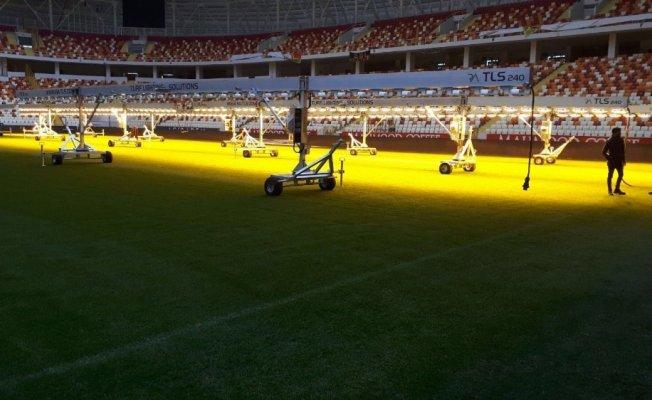 Malatya Stadının çimleri için suni güneş cihazı alındı