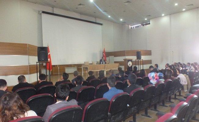 Malazgirt'te İlçe Milli Eğitimde okul müdürleri toplantısı