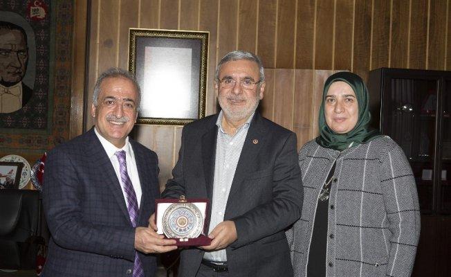 Milletvekili Mehmet Metiner, Rektör Çomaklı'yı ziyaret etti
