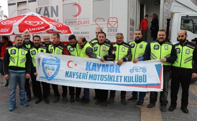 Motosikletçilerden Mehmetçik'e kan bağışı