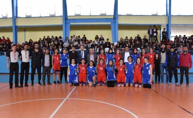 Nusaybin Gazi Anadolu Türkiye yarı finallerinde