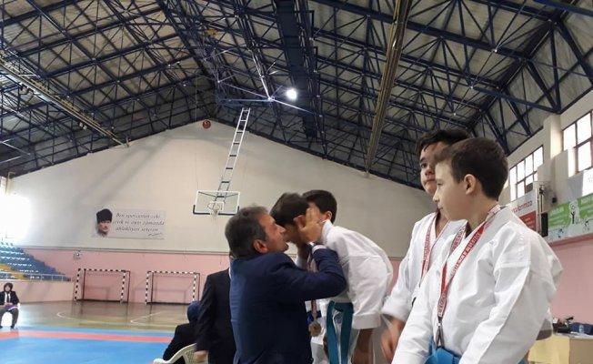 Okullar arası Karate İl Birinciliği müsabakaları yapıldı
