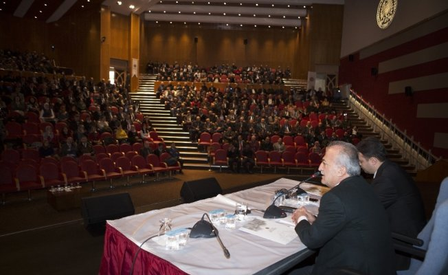 Rektör Çomaklı, Atatürk Üniversitesi idari personeliyle buluştu