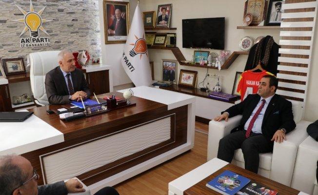 TÜMSİAD yönetimi AK Parti'yi ziyaret etti