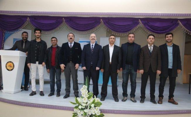 Tuşba'da yazar ve şairler öğrencilerle buluşmaya devam ediyor