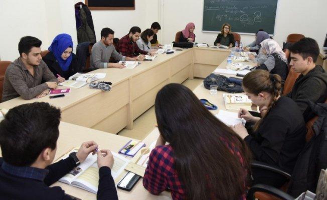 Uluslararası öğrenciler, Türkçeyi Anadolu TÖMER'de öğreniyor