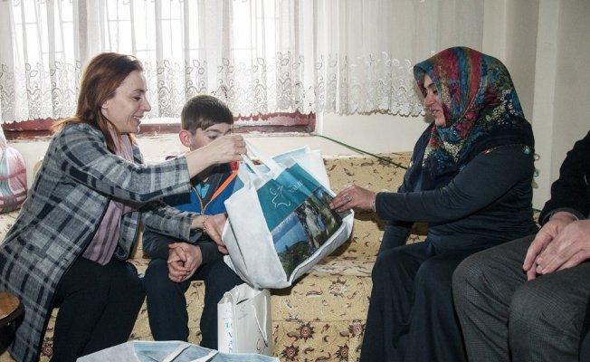 Vali Zorluoğlu'nun eşi Sevcan Zorluoğlu'nun aile ziyaretleri devam ediyor