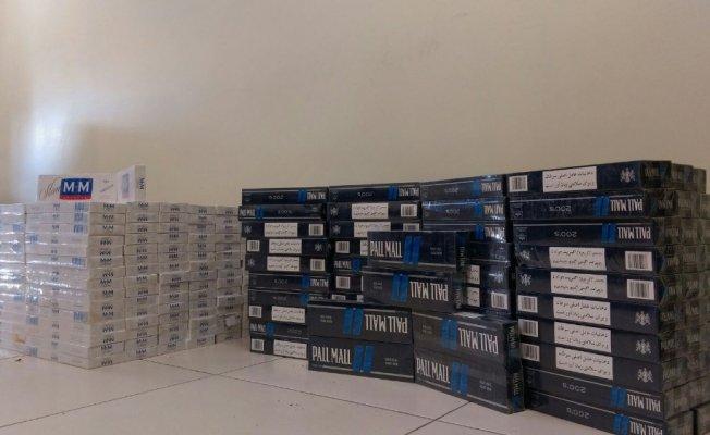 Van'da Park Halindeki Kamyonetten 3 bin Paket Kaçak Sigara Çıktı