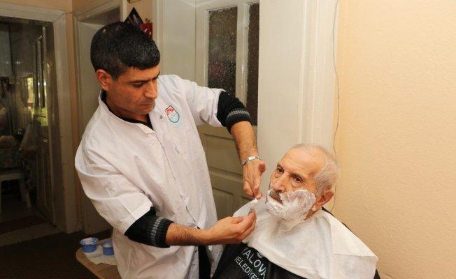 Yalova Belediyesi'nden hastalara kuaför hizmeti
