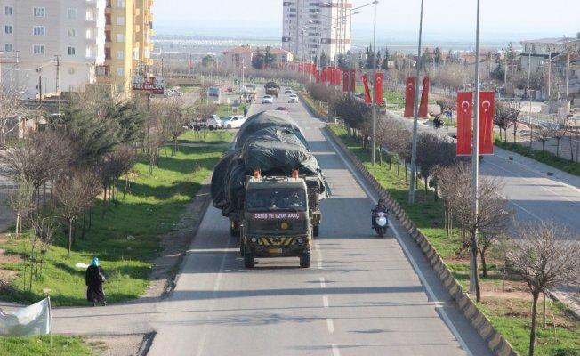 Afrin'e fırtına obüs topları sevk edildi