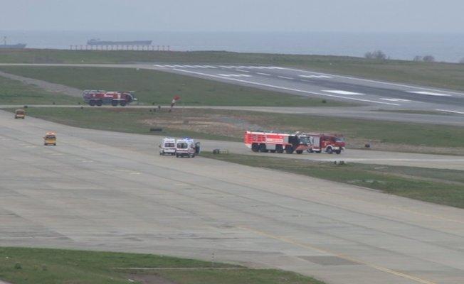 Alman ambulans uçak Trabzon'a acil iniş yaptı