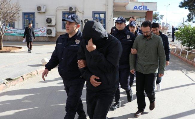 FETÖ'den 17 rütbeli asker gözaltında