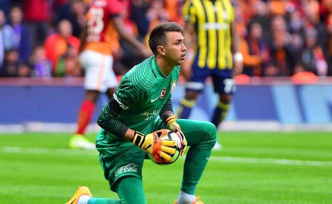 Galatasaray'da Fenerbahçe maçlarının en deneyimlisi Muslera