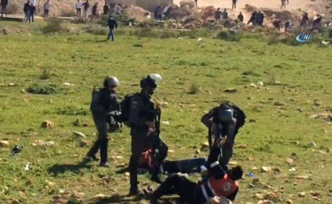 İsrail askerleri 4 Filistinli genci yaraladı