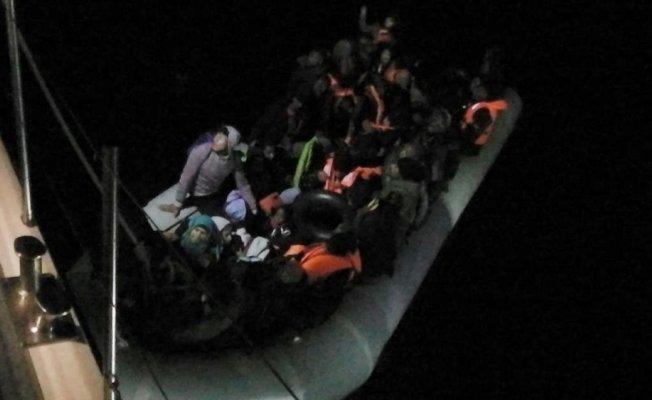 İzmir'de 49 kaçak göçmen yakalandı