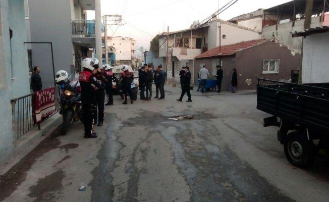 İzmir'de iki aile arasında silahlı kavga: 6 yaralı