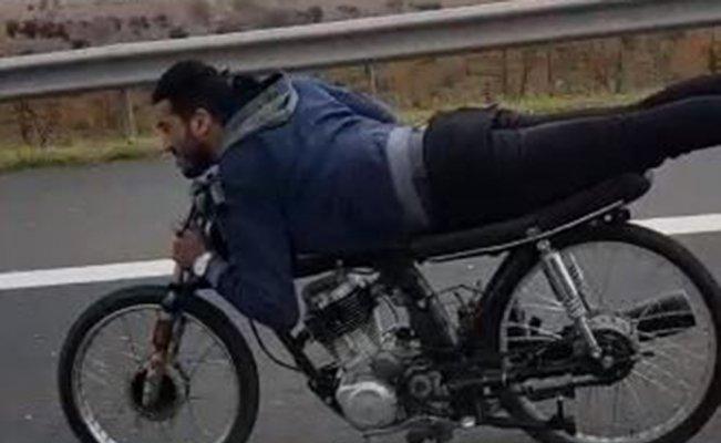 Motosiklet üzerinde ölümüne yolculuk