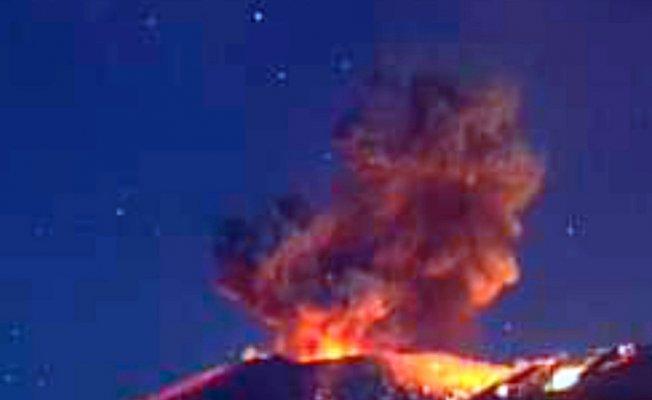 Shinmoedake Yanardağı'ndaki patlamalar şiddetini arttırdı