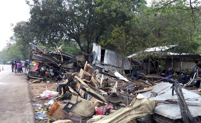Tayland'da tur otobüsü kaza yaptı: 18 ölü, 33 yaralı