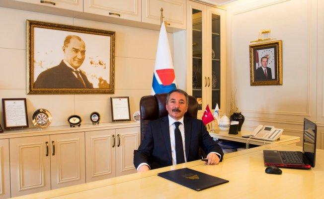 A.İ.Ç.Ü. Rektörü Abdulhalik Karabulut Ağrı'nın Kurtuluş Bayramını Kutladı
