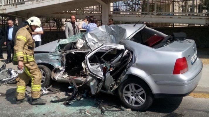 Düğün Konvoyunda Kaza : 1 ölü 1 yaralı