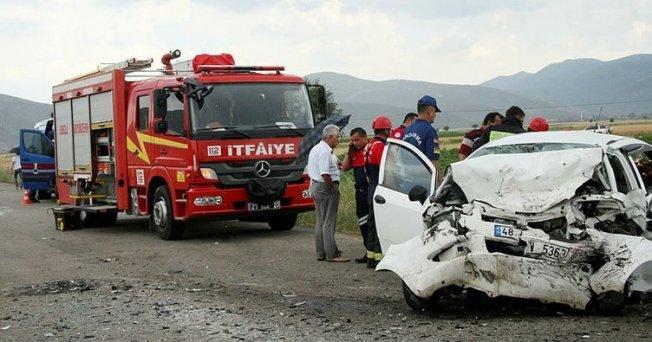 Tavas'da Feci Trafik Kazası 3 Kişi Hayatını Kaybetti