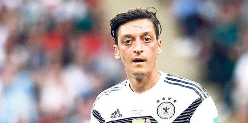 """""""Mesut Özil'in bu durumundan Almanya Milli Takımı zararlı çıkar"""""""