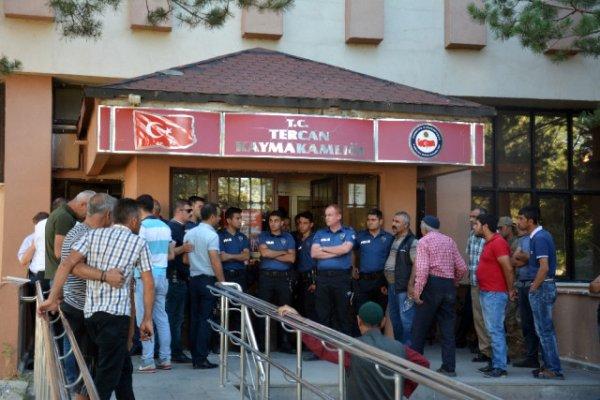 Erzincan'da Kaymakamlık'ta Silahlı Kavga! Din Görevlilerinden 5 Kişi Öldü!