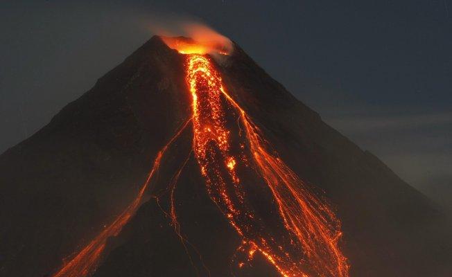 Guatemala'da Yanardağı Yeniden Faliyet Gösterdi
