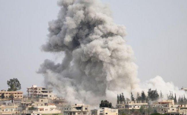 Rusya Hama ve İdlib'te Sivil Yerleşimlerini Vuruyor